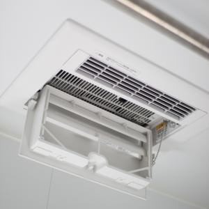 大掃除の続きー浴室乾燥換気扇と浴室ドアの換気口
