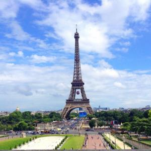パリの歴史とフランス語をとても細かく日本語にて紹介して下さっている個人のサイト!