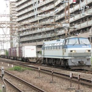 梅雨空のもと,近場で貨物列車の写真撮り