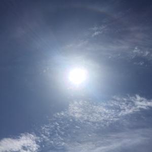 いま空!うっすら日輪でてますよ^_^