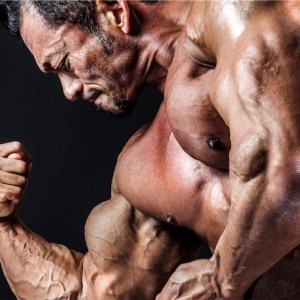 プロテインの摂取タイミングは運動後30分以内が最も効果的な理由!