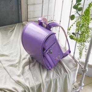 ランドセルの紫系の色は後悔する?ラベンダーやパープルは汚れやすいの?