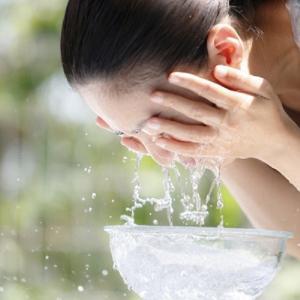 40代乾燥肌の正しい洗顔方法 必要な油分は残して洗うべし!
