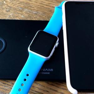 スマホ2台+Apple Watch対応Qi充電機が想像以上に便利