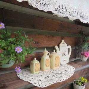 ***(#^.^#)ガーデンキッチン!残すはタイル張り&可憐なペチュニア達