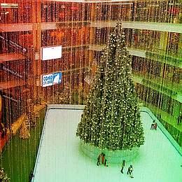 モールFUTURE/PAST: Christmas at Crystal Valley Mall (2015) - 永遠(とわ)なる幻影のXマスタイムへ