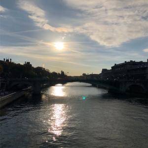 【パリ3日目】バトビュス(水上バス)に乗ってセーヌ川クルーズをしながらモンパルナス観光