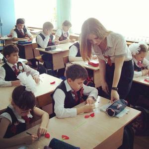 【画像】ロシアの女教師、ドスケベすぎると話題に #まとめっち #ロシア #女教師 #スケベ #画像