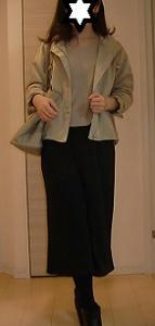 GUマウンテンパーカ2019春夏モデルとバルーン袖トップスのお仕事コーデ