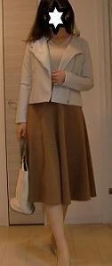 GUポンチフレアスカートとフェイクレザーバイカーブルゾンの上品コーデ