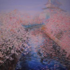 桜に城は日本の春の王道Ⅱ お堀に浮かぶ花びら