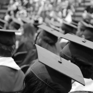 日本の教員の大学院卒比率