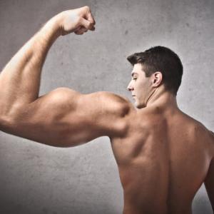 100年前のボディビルダーの筋肉