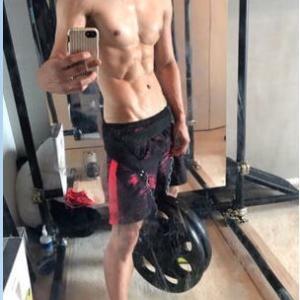 【画像】上裸の #ダルビッシュ の筋肉がやばすぎる