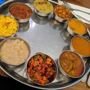 インド人いっぱいのインド料理店 Udupi Palace