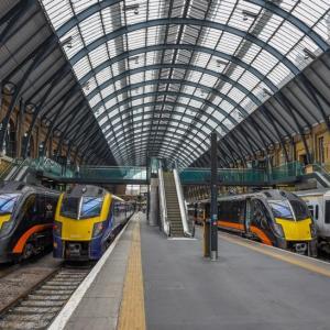 「ロックダウン」なら鉄道どうなる 欧米の事例と日本の「計画」は?