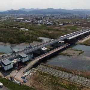日本初「新幹線・道路併用橋」まもなく誕生! 歩道から列車どれくらい見える?