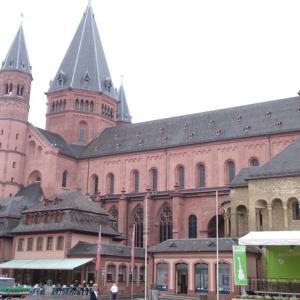 マインツ観光|徒歩で回れる!マインツ大聖堂、マルクト広場、グーテンベルク博物館、旧市街のキルシュガルテン