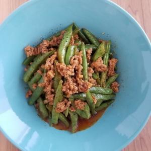 大人味♡【レシピ】いんげん豆とひき肉のスパイシーケチャップ炒め 献立付き。