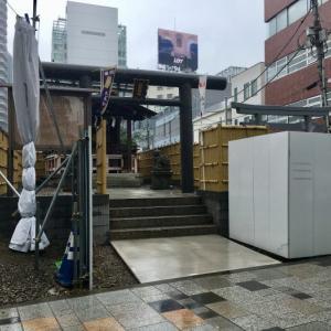 高層ビルの林立する都会で神社巡り! 秋葉神社