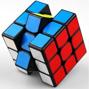 限界突破を体験せよ!ルービックキューブ