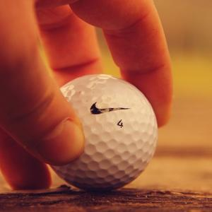 ゴルフボールの飛距離ランキング2019!初心者向けの選び方も紹介!