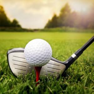 ゴルフのルール/構えてティーからボールが落ちたら?/空振りして風圧で落ちたらどうなるの?_ティーイングエリア内