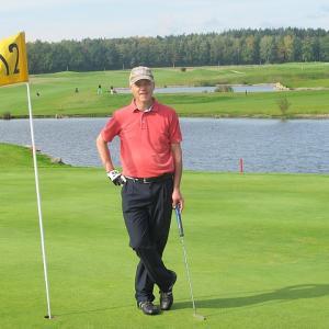 ゴルフ場ではどんな服装をすればいいの?ルールやマナーを紹介!
