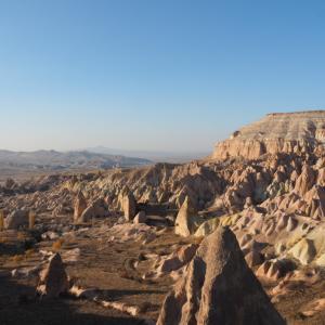 【トルコ②】カッパドキア到着!紅い岩の中で。