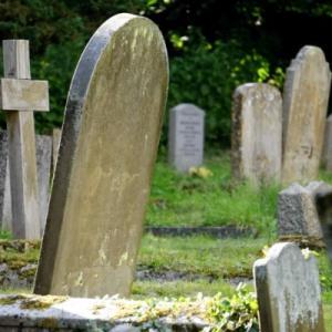 親がどんなに望んでも墓を建ててはいけない!ほんとうにベストなのは合祀