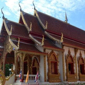 【チェンマイ】旧市街の散策でチェディルアンのあとはナイトマーケットへ【タイ子連れ旅32】