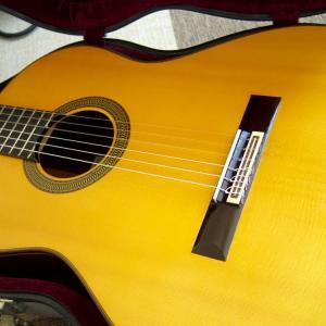 クラシックギターでいい音を出すには?