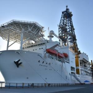 11/30:地球深部探査船「ちきゅう」一般公開レポ1-海から「ちきゅう」を見てみよう