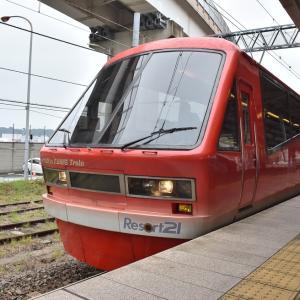 6/8:よこすかYYのりものフェスタ2019で伊豆急リゾート21キンメ電車を見学する