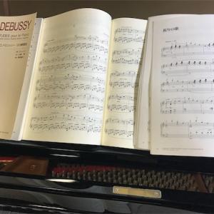 久しぶりのピアノ。音が抜ける。