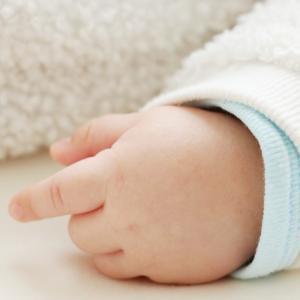 【育児用品】大人気の理由に納得…!2人目育児で重宝した神アイテム