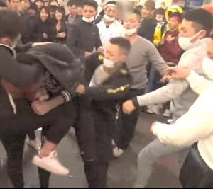 2018年ハロウィンの渋谷の暴動の裏で10対1の乱闘があった!!