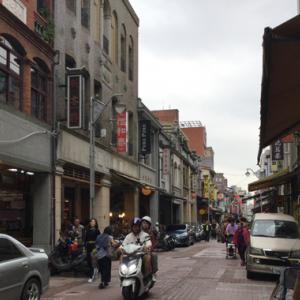 春の台湾滞在記-第3日目その1 台湾のお姉さんの案内でお茶と漢方素材の問屋街迪化街めぐり