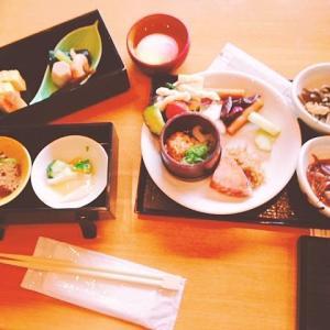 花伝抄の朝食はメインを和食か洋食選べる上に+バイキング