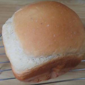 薄力粉の量が多めパンはどんな食感になるんだろう?