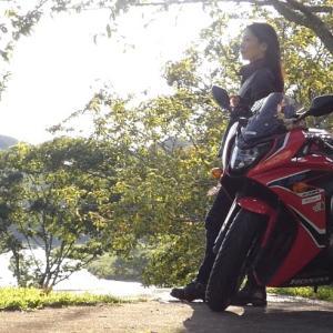 今日はおバイク女史♪