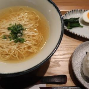 青葉区上杉・ハチ花乃で「鶏塩中華そば」//レストランHACHIがラーメン屋をやるとこうなる。スープが濃い、スープが熱い、スープが旨い。