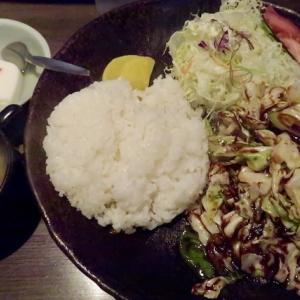 宮城野区榴岡・靉龍で「ホイコーロー定食」//新鮮キャベツが美味いが・・・。