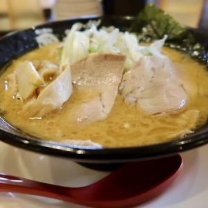 泉区野村・大志軒で「淡麗味噌麵+餃子」//菜々家のグループ店らしい。甘めの味噌味はサッポロラーメン風。