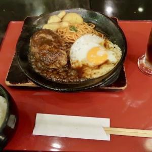 青葉区中央(エスパル地階)・浅草軒で「ハンバーグステーキ」//老舗洋食店の雰囲気。ハンバーグはお箸で食べるのが基本。