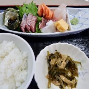 多賀城市八幡・むつごろうで「刺身定食(三品)」//大海老無くなってもまだまだコスパ良し。