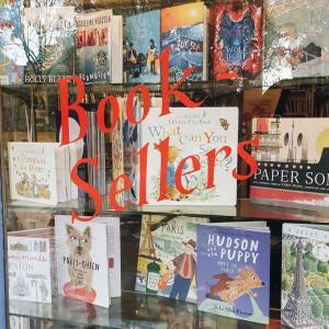 The Red Wheelbarrow Bookstore @ Paris, France * リュクサンブール公園近くのフレンドリーな本屋さん
