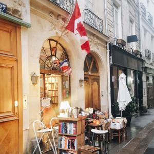 The Abby Bookshop @ Paris, France * アットホームなパリの書店で本好きな店主とおしゃべりを