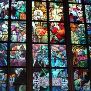 【チェコ】プラハ城のステンドグラス