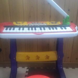 五歳のクリスマスプレゼントはピアノ『キッズキーボードDX』になった